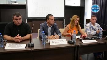 Министърът на туризма Николина Ангелкова участва в кръгла маса в Бургас